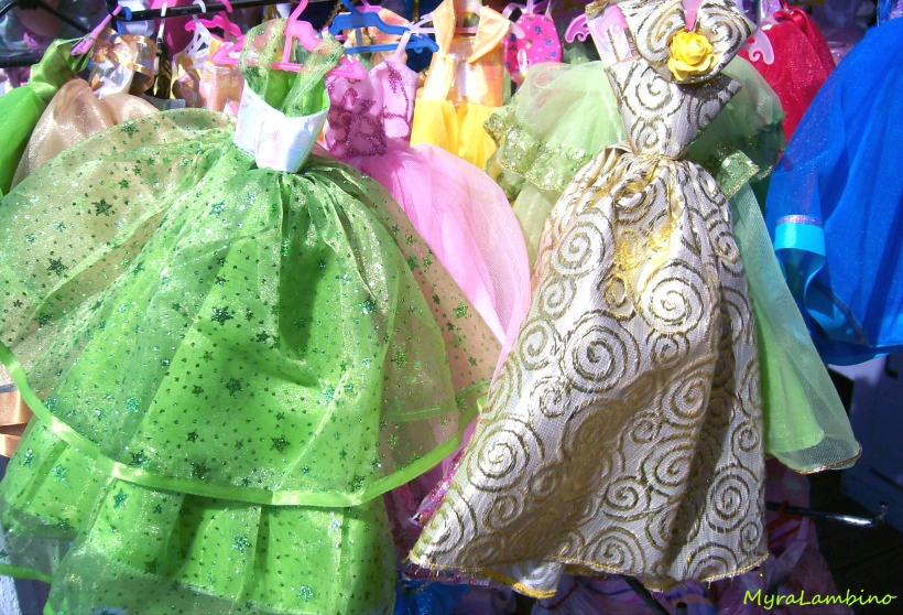 Dresses.Myra